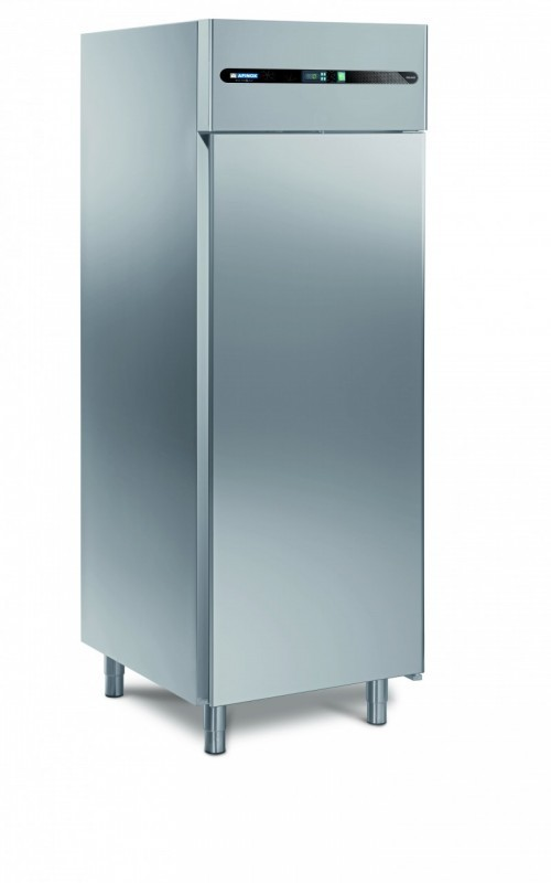 Refrigerated cabinets range coldy